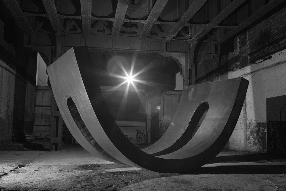 Christine Corday, <em>UNE</em>, installation view, High Line, New York, 2008. Courtesy the artist. Photo: Tim Willis.